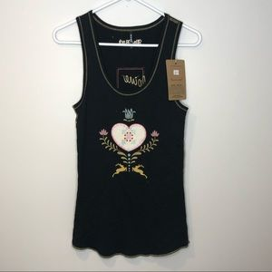 Tops - (Alp & Rock) embroidered hiking tank
